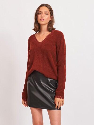VILA Pullover in rostrot, Modelansicht