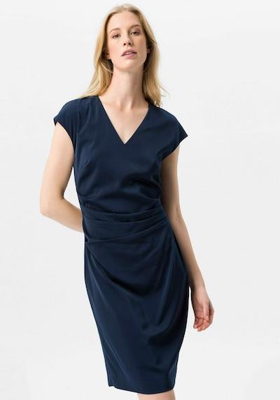 Uta Raasch Kleid in blau, Modelansicht