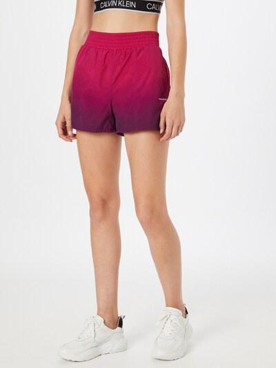 Calvin Klein Jeans Hose in lila / pink / weiß, Modelansicht