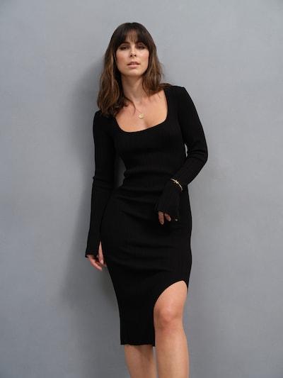 A LOT LESS Robes en maille 'Arabella' en noir, Vue avec modèle
