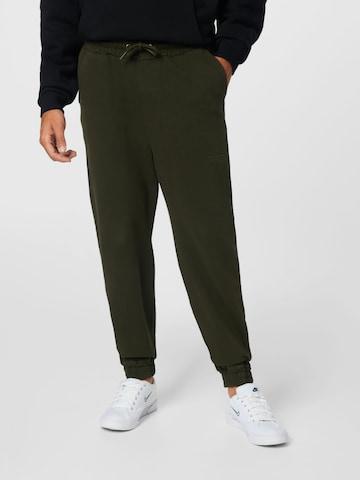 Pantaloni 'Maleo' di Young Poets Society in verde