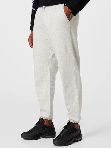Pantaloni 'Sebbe' di WEEKDAY in grigio