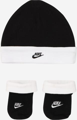 Nike Sportswear Súpravy bielizne 'NIKE FUTURA HAT/BOOTIE 2PC' - Čierna