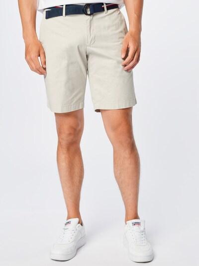 TOMMY HILFIGER Pantalon chino 'BROOKLYN' en sable, Vue avec modèle