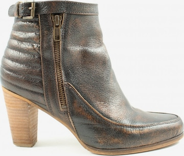 sacha Dress Boots in 40 in Brown
