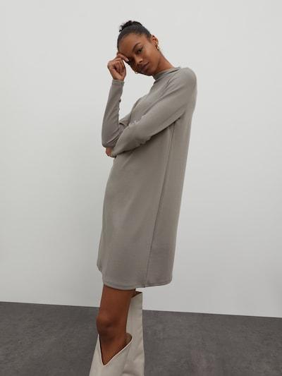 EDITED Šaty 'Hermine' - šedá / šedý melír, Model/ka