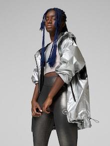 Větrovka adidas by Stella McCartney ve stříbrné barvě