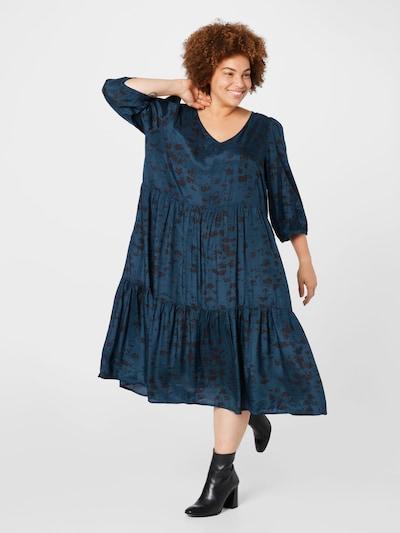 Rochie KAFFE CURVE pe bleumarin / negru, Vizualizare model