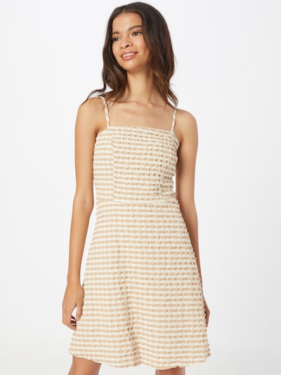 Trendyol Kleid in beige / weiß, Modelansicht