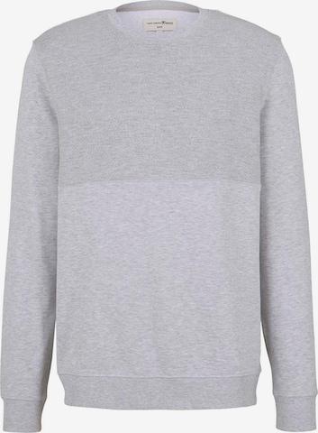 TOM TAILOR DENIM Sweatshirt in Grau
