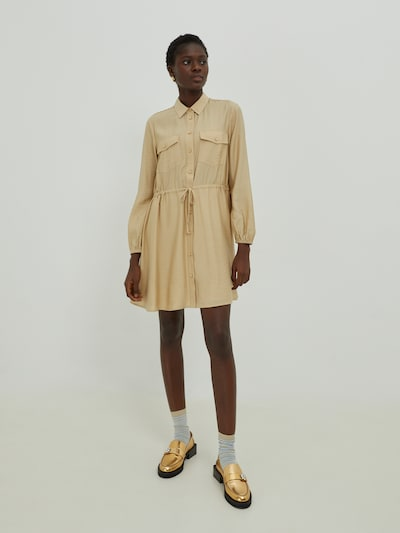 Rochie tip bluză 'Faye' EDITED pe bej, Vizualizare model