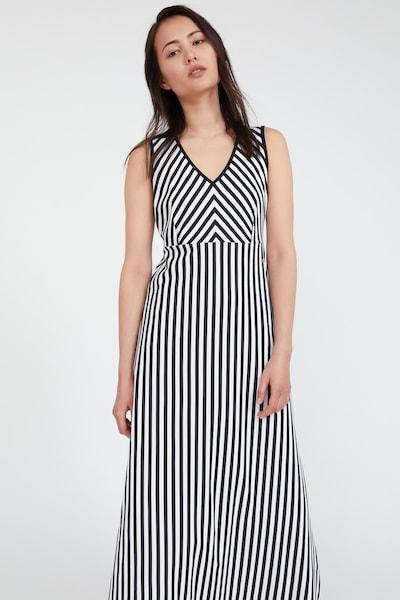 Finn Flare Maxi-Kleid in schwarz / weiß, Modelansicht