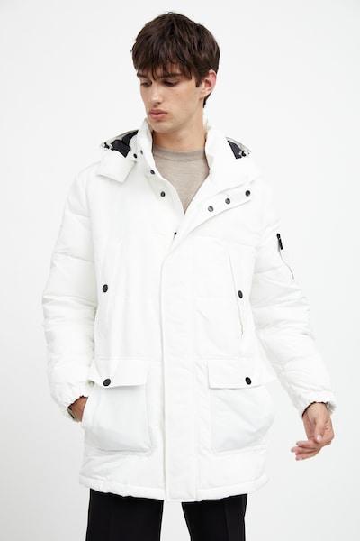 Finn Flare Winterjas in de kleur Wit, Modelweergave