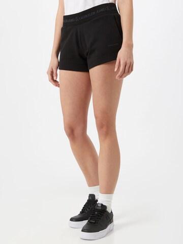 Calvin Klein Jeans Shorts in Schwarz