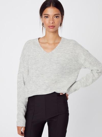 ONLY Pull-over 'Camilla' en gris chiné, Vue avec modèle