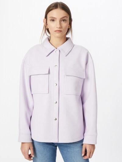 Gina Tricot Prehodna jakna 'Majken' | pastelno lila barva, Prikaz modela