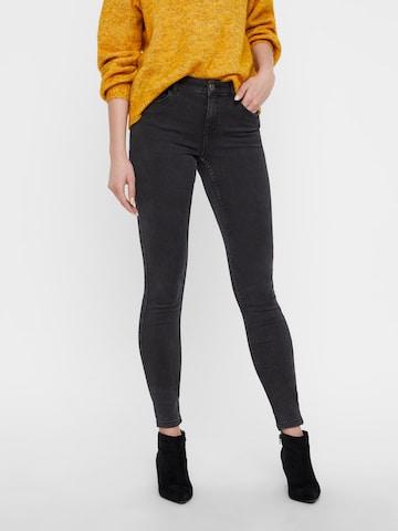 VERO MODA Jeans 'Seven' in Grijs