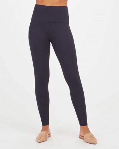 SPANX Leggings in dunkelblau, Modelansicht