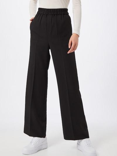 Kelnės su kantu iš InWear , spalva - juoda, Modelio vaizdas