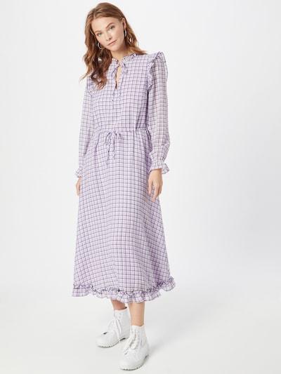 Moves Kleid 'Jalina' in lavendel / dunkellila / weiß, Modelansicht