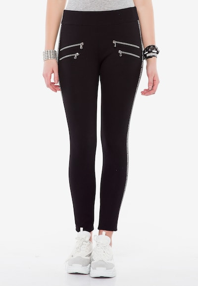 CIPO & BAXX Leggings mit seitlichem Reißverschluss in schwarz, Modelansicht