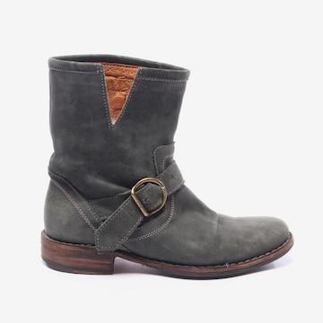 Fiorentini+Baker Dress Boots in 36 in Green