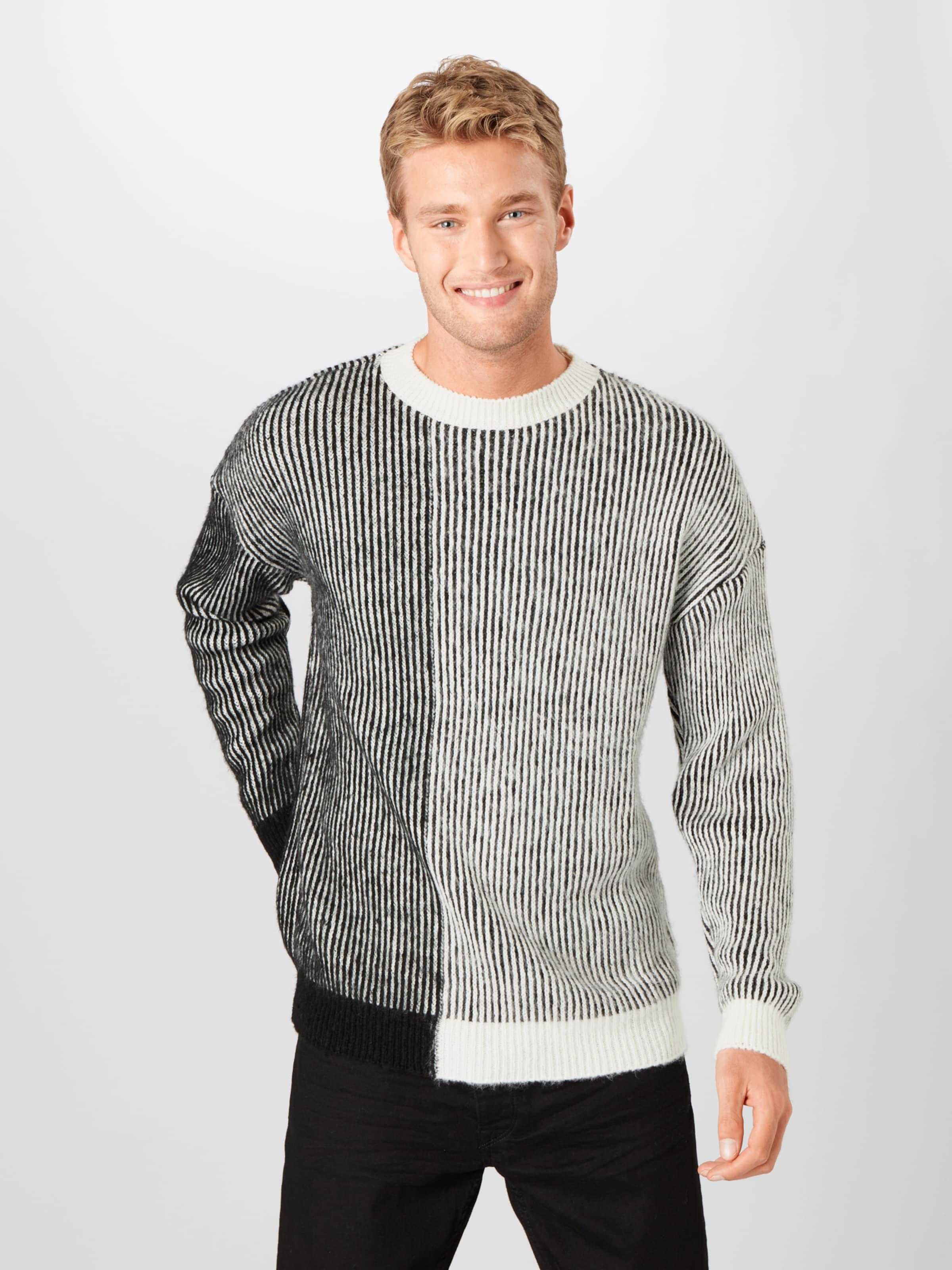 Mennace Pullover in schwarz / weiß Rundhals-Ausschnitt MEN0049001000002