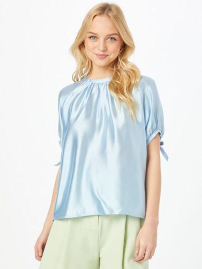 Birgitte Herskind Blouse 'Gabriella' in de kleur Lichtblauw, Modelweergave