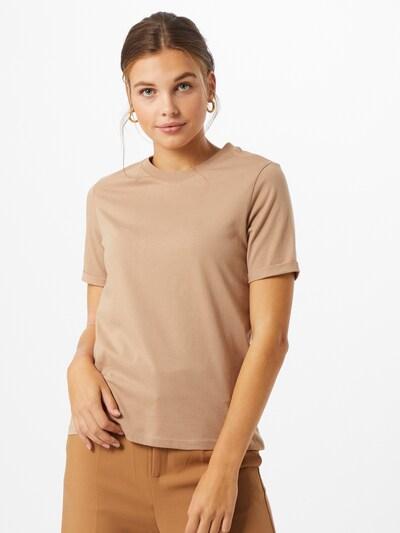 PIECES T-shirt 'RIA' en beige foncé, Vue avec modèle