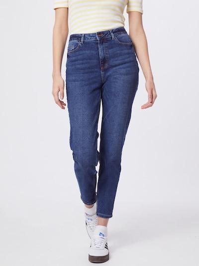 PIECES Mom Jeans in blue denim, Modelansicht