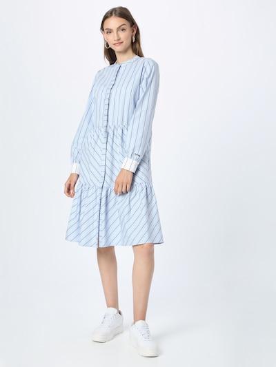 NÜMPH Kleid 'NUCLOVE' in hellblau / dunkelblau / weiß, Modelansicht