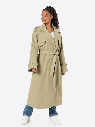NA-KD Mantel in khaki, Modelansicht