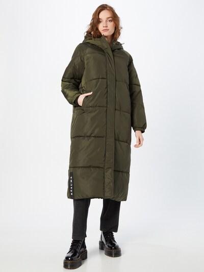 Résumé Wintermantel 'Alexa' in khaki, Modelansicht