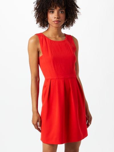 FRENCH CONNECTION Robe fourreau en rouge, Vue avec modèle