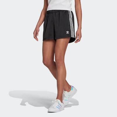 ADIDAS ORIGINALS Shorts in schwarz / weiß, Modelansicht