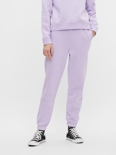 Pantaloni 'Chilli' PIECES pe mov lavandă, Vizualizare model
