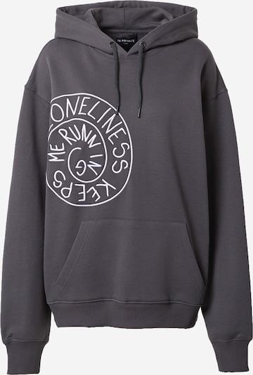 IN PRIVATE Studio Sweatshirt 'LONELINESS KEEPS ME RUNNING' in dunkelgrau / weiß, Produktansicht