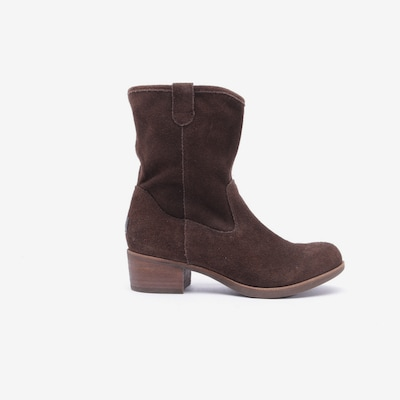 UGG Dress Boots in 36 in Brown, Item view