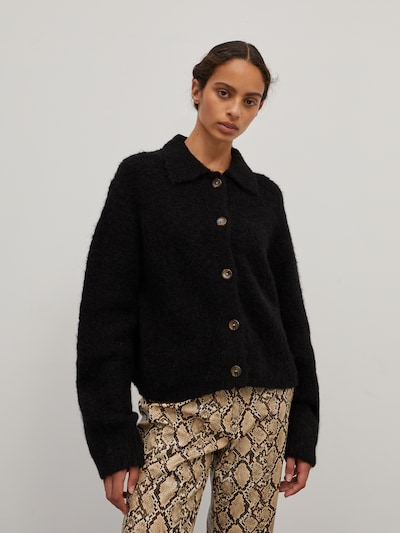 EDITED Knit Cardigan 'Emmarie' in Black, View model