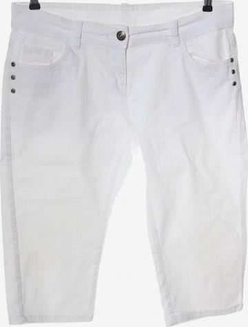 okay Jeans in 32-33 in White