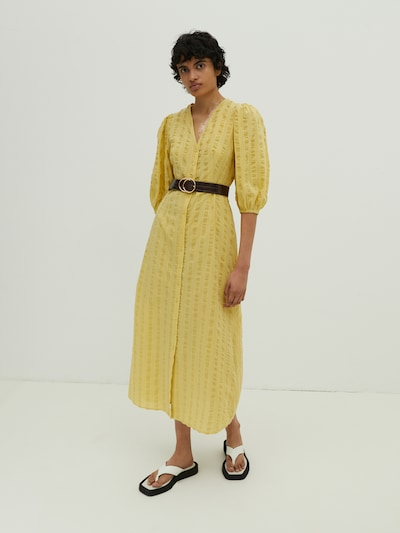 EDITED Robe-chemise 'Elena' en jaune, Vue avec modèle