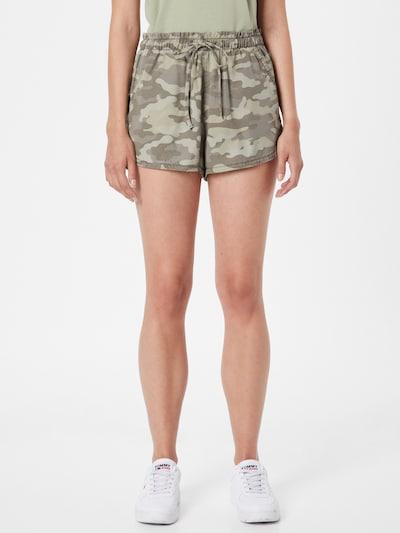 American Eagle Shorts in oliv / hellgrün / dunkelgrün, Modelansicht