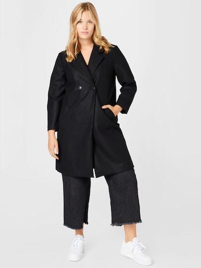 Vero Moda Curve Jacke in schwarz, Modelansicht