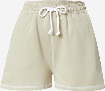 Missguided Shorts in Grün