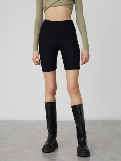 LeGer by Lena Gercke Leggings 'Miles' i svart, På modell