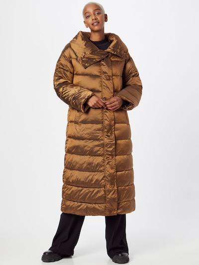 OOF WEAR Mantel in karamell, Modelansicht