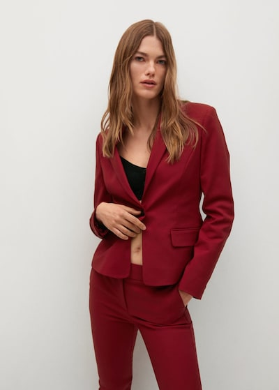 MANGO Blazer in rubinrot, Modelansicht