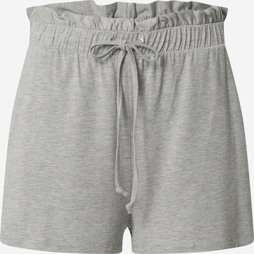 ABOUT YOU Shorts 'Carla' in Grau