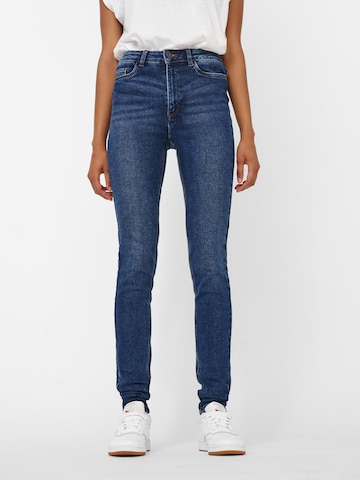 Noisy may Jeans 'NMCALLIE CHIC HW JEANS VI072DB BG NOOS' in Blauw