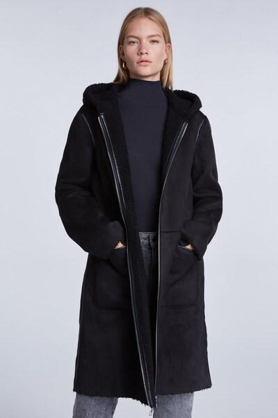 SET Mantel in schwarz, Modelansicht